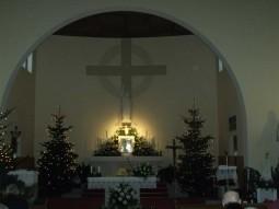 Felújított templom ünnepi díszben